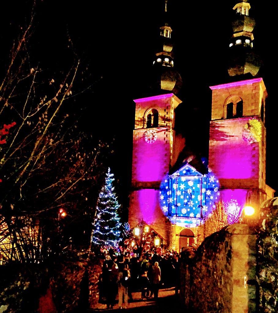 Weihnachtsmarkt_julmarknad_marche_de_noel_St._Quirin_Nordvogesen_vosges_du_nord_kirche_eglise