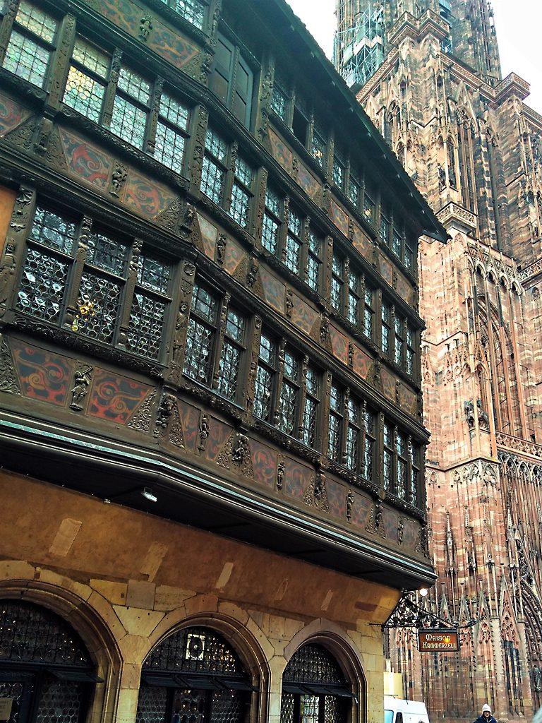 Strasbourg_Straßburg_Alsace_Elsass_Münster_Kathedrale_Maison_Kammerzell_Entre1