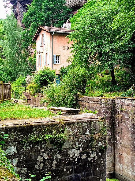 Arzviller_Vallée_des_Eclusiers_Schleusenhaus_Wanderweg_Grand l´Est_Lutzelbourg_Phalsbourg_Hofmuhl