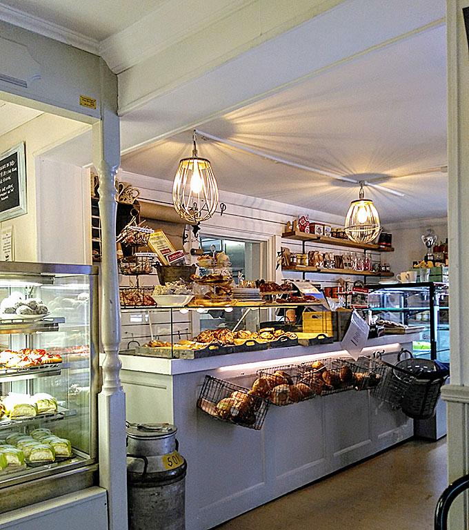 Cafe_Hörnan_Norrtälje_kakor_bakelser