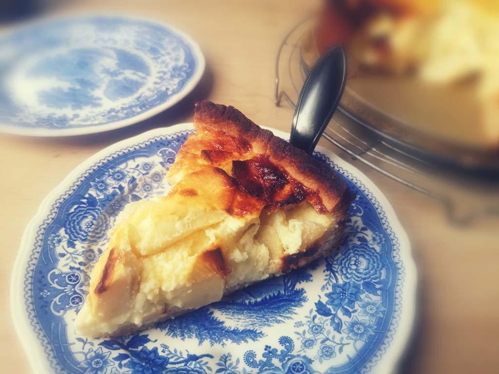 Käsekuchen mit Apfel schwedisch